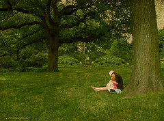 Brooklyn Botanic Garden (NY, NY) (NataThe3) Tags: park summer woman tree green nature grass leaves garden leaf child