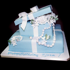 "<p>""Light Blue Box with White Pearl Necklace &amp; Bracelet"" </p>"