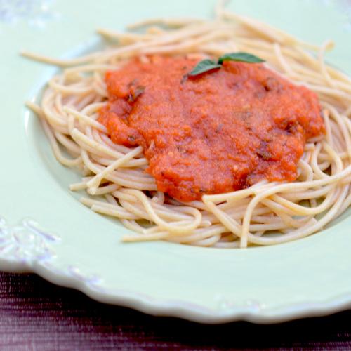 Slow-Cooker Marinara with Fresh Basil
