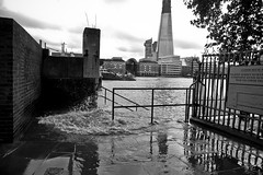 (Nicobobinus) Tags: city london thames river flood breach billingsgate ec3 customhousepath