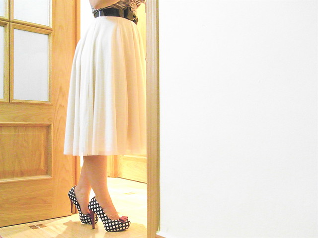 Tulle skirt and polka dot heels