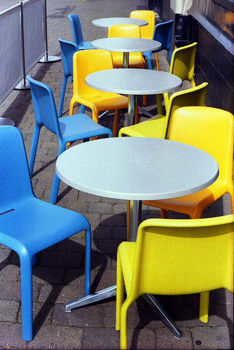 pavement cafe by pho-Tony