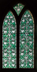 DSC_8658-stained-glass_xform_crop