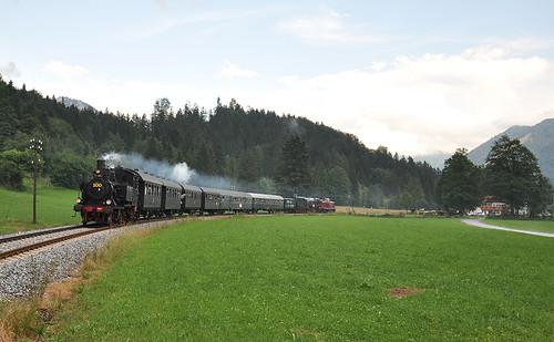 Bei der Krugalm fährt die 70er nach Schliersee.