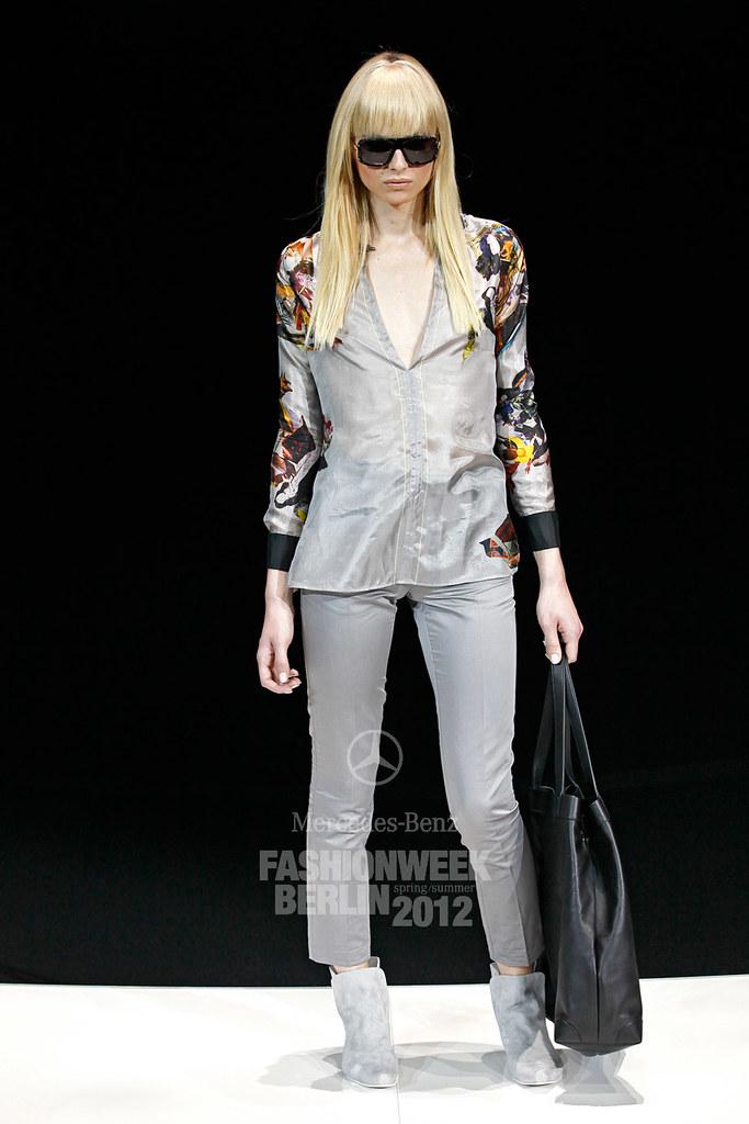 Andrej Pejic3264_SS12 Berlin Michalsky(Mercedes-Benz Fashion Week)