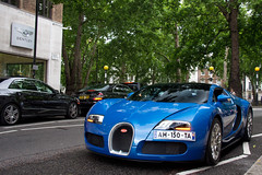 Grand Sport. (Alex Penfold) Tags: auto road camera blue london cars alex sports car sport mobile canon dark square photography eos spider photo cool flickr image metallic awesome flash picture convertible grand super spot spyder exotic photograph gran spotted hyper bugatti supercar spotting berkley numberplate exotica sportscar sportscars supercars veyron roadster penfold spotter 2011 grandsport hypercar 60d hypercars alexpenfold