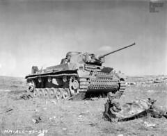 Panzerkampfwagen III (5 cm Kw.K. L/60) Tropen mit Vorpanzerung (Sd.Kfz. 141/1) Ausf. L (Nr. 1) (Panzer DB) Tags: tunisia torch wreck panzer kasserine panzerwaffe