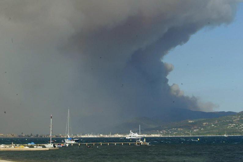 feu de Vidauban depuis la baie de Saint-Tropez en juillet 2003 météopassion