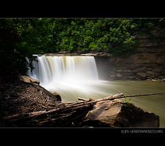 Cumberland Falls [1569] (josefrancisco.salgado) Tags: longexposure usa forest us woods nikon kentucky unitedstatesofamerica bosque nikkor corbin cascada largaexposicin neutraldensityfilter danielboonenationalforest cumberlandfallsstateresortpark d3s 2470mmf28g filtrodedensidadneutra bwnd30 cumberlandfallswaterfall