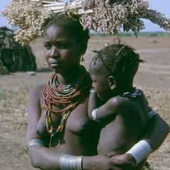 thiopien (Feb. 05) (Syydehaas) Tags: lucy native wabe afrika omovalley ethiopia tribe bale ethnic addisababa addis awassa arbaminch karo surma mursi cultural amar hamer afrique chamo afar omo thiopien murle ostafrika moyale sidama awash ethiopie gurage abenteuer galeb addisabeba oromo balemountains dorse benna dorze nechisar turmi konso borana erbore tsemay yabello southethiopia kelem dinso gardula tsamay murulle chamosee arussi kereyou sdthiopien turkanasee kereyo baleberge rudolfsee altniloten niloten highflyer261 syydehaas awasasee