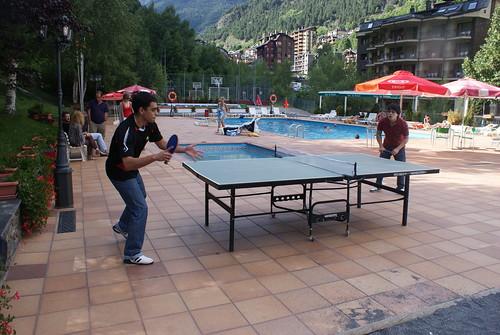 Eduardo Iturrizaga vs Yuri González... a tenis taula!