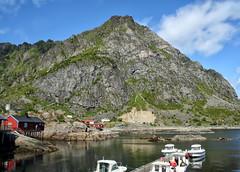 (larigan.) Tags: vacation mountains norway boats holidays  lofoten touristattraction lofotenislands nordland moskenes ilofoten larigan phamilton ginordic1