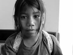 La vendedora II / The seller II (Claudio H. Fibla) Tags: portrait blanco monocromo trabajo arte y retrato negro nia infantil ncalle