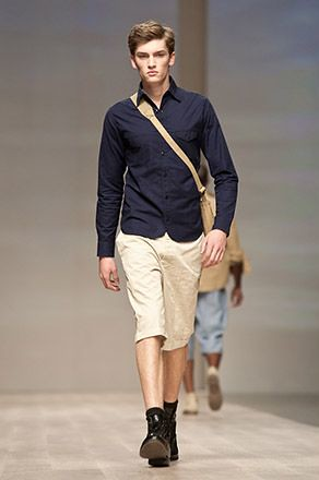 Taylor 3001_SS11 Tront Fashion Week Klaxon Howl(blog To.com)