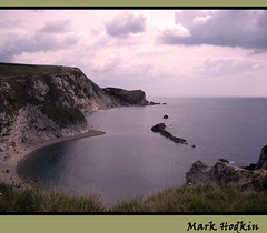 durdle door3 (shandyboy2010) Tags: sea sky cliff cloud coast rocks shore lulworth durdledoor jurassiccoast dorest mygearandme