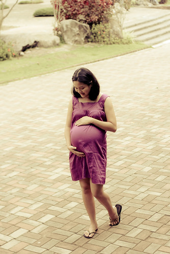 Maternity portraits by Ace-Lyn Nierva