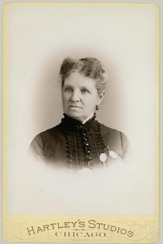 Cabinet card woman portrait 02