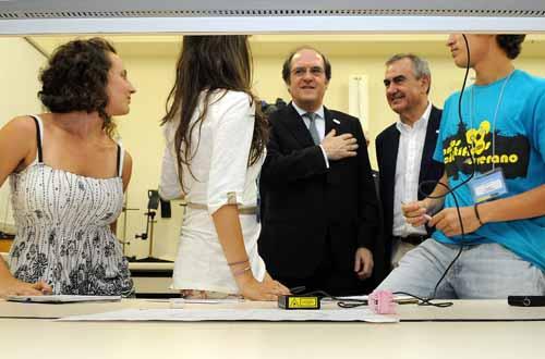 Visita ministro Educación a CMN 9
