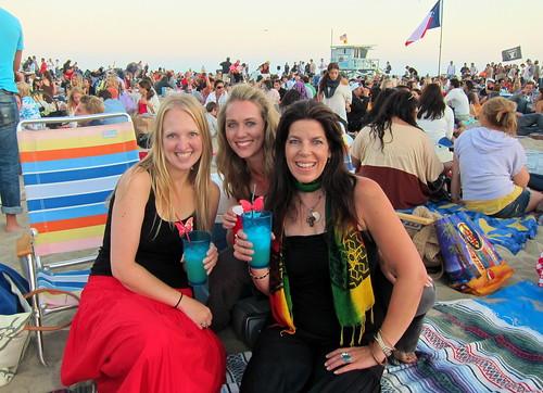Marissa Aho, Lindsay Taub, and Parker Bartlett at Reggae/Ska Night at SM PIER SUMMER CONCERT SERIES