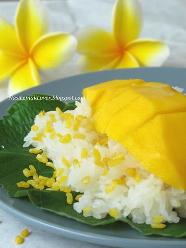 Thai mango sticky rice (Khao Nieow Ma-muang)