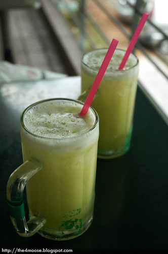 Bukit Timah Food Centre - Sugarcane Juice