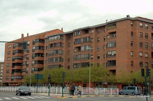 Edificios y vistas de la avenida de Navarra, Pamplona