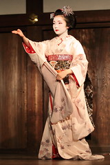 Japan classic (Teruhide Tomori) Tags: japan dance kyoto stage traditional maiko   gion miyagawacho   toshimana