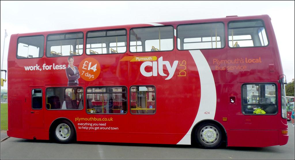 Plymouth Citybus 424 X558EGK