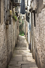 Shaoxing (Woods | Damien) Tags: china wall alley dof 中国 shaoxing zhejiang 浙江 绍兴 canonef50mmf18ii canoneos60d