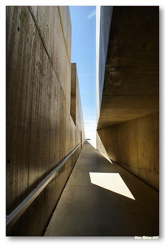 Rampa de acesso ao Museu do Côa by VRfoto