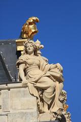 Château de Versailles 028 (MUMU.09) Tags: france statue versailles histoire estatua statua château standbeeld estátua szobor patrimoine historique heykel posąg 雕像 chateaudeversailles staty socha bức 彫像 tượng stytta статуя รูปปั้น 동상 dealbh couleuror feuillesdor प्रतिमा άγαλμ mumu09