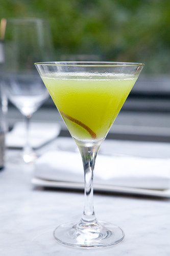Kiwi & Elderflower Martini