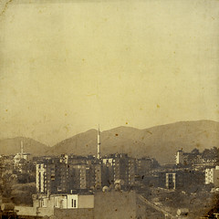 (sommerpfuetze) Tags: city mountains sepia turkey sommer minaret trkiye berge trkei liebe izmir minare textur minarett diesingendengebeteverhalltenindenbergen