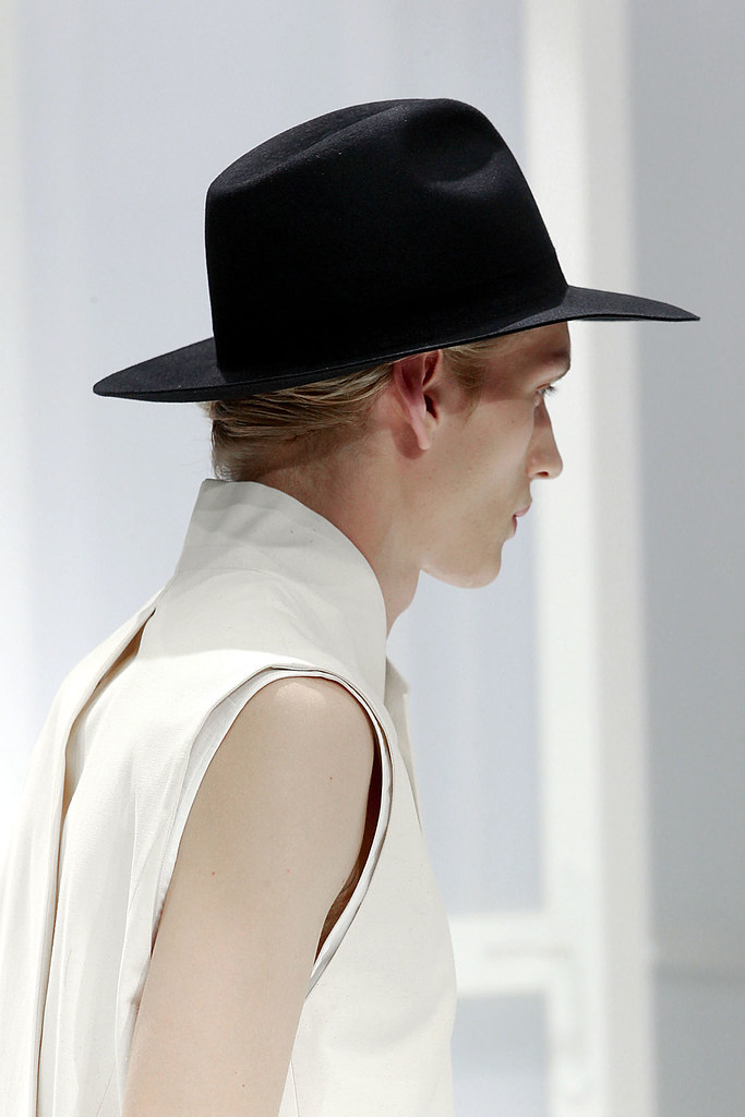 Paul Boche3281_SS12 Paris Dior Homme(VOGUEcom)