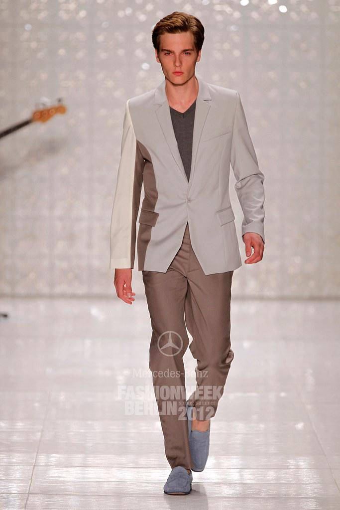 Lennart Richter3015_SS12 Berlin Kilian Kerner(Mercedes-Benz Fashion Week)