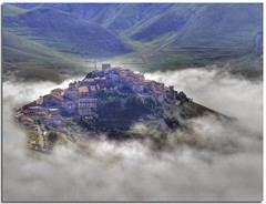 Fairy-tale emersion (Nespyxel) Tags: italy panorama misty fog fairytale landscape italia village nebbia umbria castelluccio paese villaggio fiaba emersion nespyxel stefanoscarselli fleursetpaysages llitedespaysages