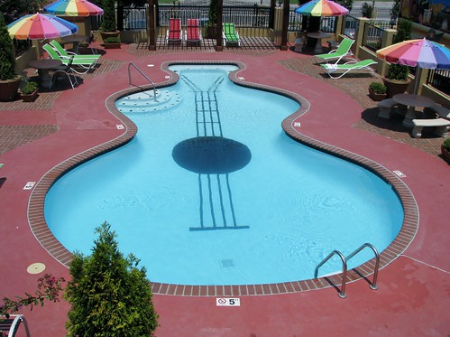 8331 Memphis, Tennessee - Days Inn guitar pool from our balcony