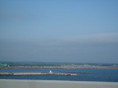 """Vers la fin du pont, à l""""approche de l""""île"""