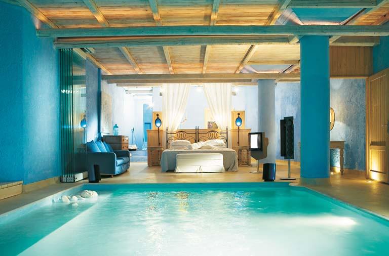 Mykonos Blu junior suite private indoor pool