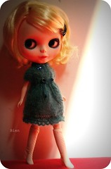 The sassy one =) (-Bien-) Tags: handmade blythe knitted frostyfrock blissbien toulouselamour