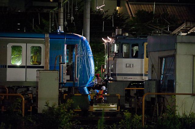 東京メトロ東西線15000系15113F 甲種輸送 15113FとEF65 1070が切り離される