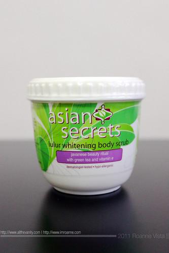 Asian Secrets Lulur Whitening Body Scrub - 250g