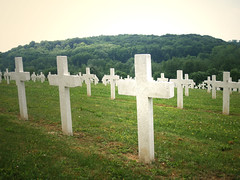 The French war cemetery at Vauxaillon (DameBoudicca) Tags: friedhof france cemetery grave french dead death frankreich war cross military headstone wwi wwii cementerio tombstone guerra krieg kreuz worldwarii cruz fallen gravestone burial ww2 worldwarone ww1 grabstein guerre francia firstworldwar militaire croix croce picardie chemindesdames secondworldwar cimitero frankrike worldwartwo cimetire kors gravsten segundaguerramundial begravningsplats spulture thegreatwar hilarri krig zweiterweltkrieg secondeguerremondiale deuximeguerremondiale secondaguerramondiale grandeguerre stlefunraire andravrldskriget lpidafuneraria vauxaillon doublyniceshot pierredesmorts