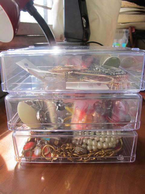 Organizing Vanity Dresser (39)