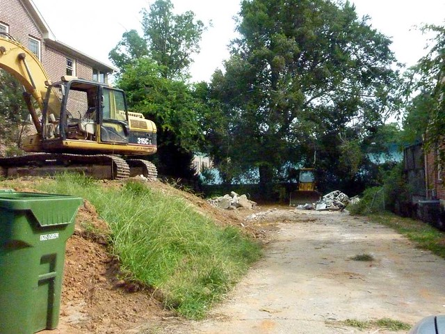 P1130223-2011-07-25-1062-Cumberland-teardown-demolition-driveway
