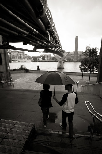 586/1000 - Raining under Millenium Bridge by Mark Carline