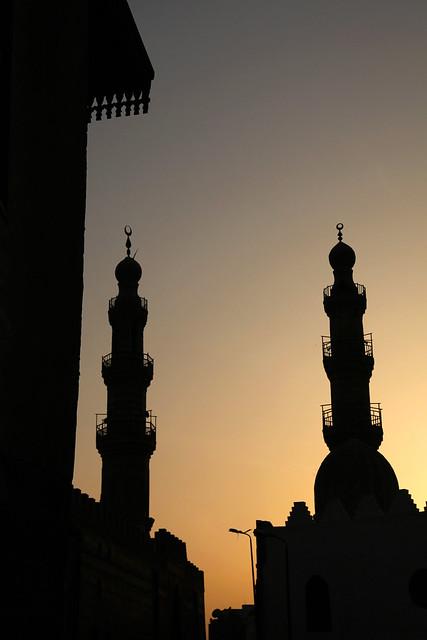 エジプト、カイロ、夕焼けとミナレット