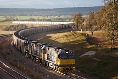"XRN009 at Minimbah (Trent ""Raichase"" Nicholson) Tags: coal huntervalley freightliner xstrata minimbah xrnclass xstratarail"