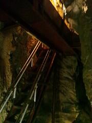 飛騨大鍾乳洞内のアドベンチャーコースの写真
