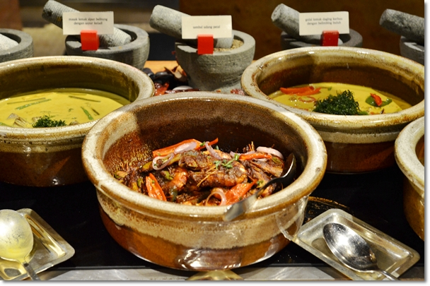 Hot Dishes in Claypot